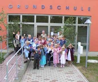 Schulanfänger im Sommer 2007<br>Foto: Th. Knack