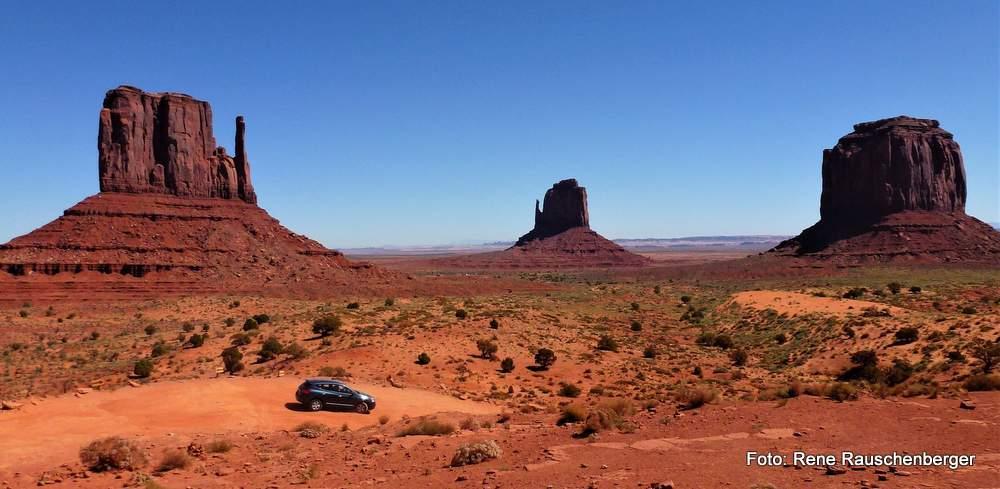 Im Monument Valley in der Wüste Arizonas in der Nähe des Grand Canyon
