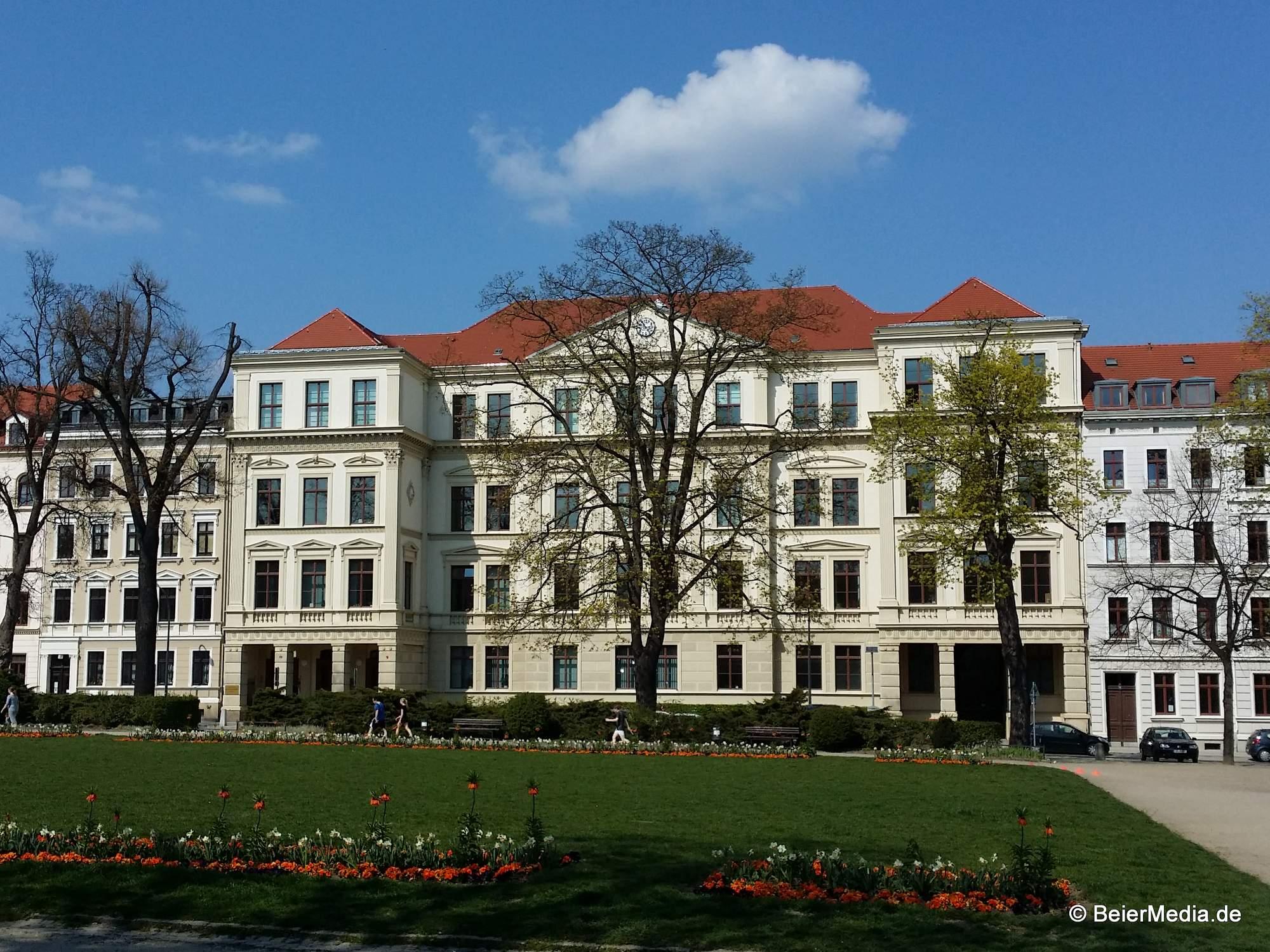 Das Joliot-Curie-Gymnasium am Görlitzer Wilhelmsplatz