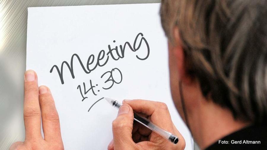 Pünktlichkeit ist eine Tugend – aber ist sie immer nötig? Bei einem Meeting auf jeden Fall!