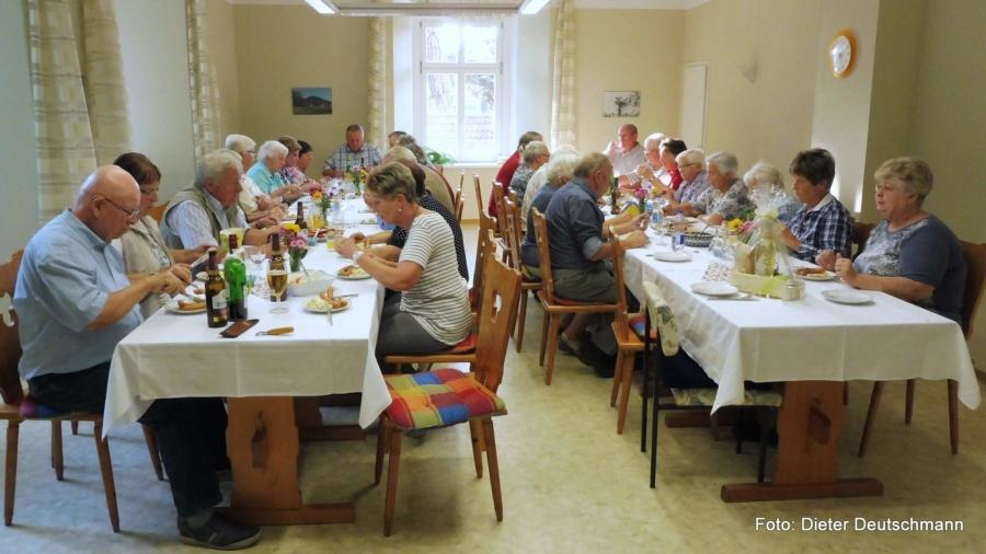 Mitgliederversammlung im Vereinsraum auf Schloss Gersdorf im Jahr 2018