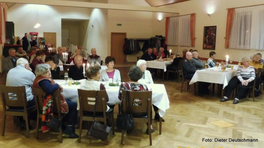 Auf der Weihnachtsfeier im Kulturhaus Kiesdorf