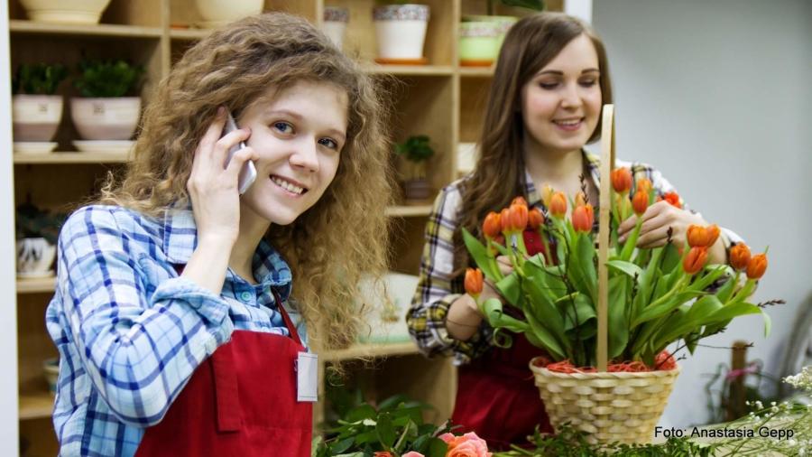 Wissenschaftlich erwiesen: Lächeln verbessert die eigene Laune und kommt auch bei anderen gut an. Wer's nicht glaubt, kann es im Blums-Laden Markersdorf ausprobieren