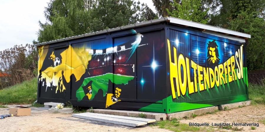 Tobias Striegler hat den Container der Holtendorfer Spielvereinigung gestaltet