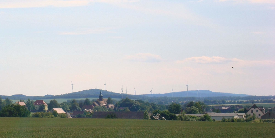 Symbolfoto: Die Markersdorfer Ortschaften sind eingebettet ins Hügelland am Fuße der Landeskrone