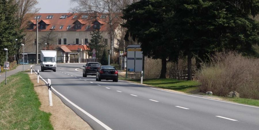 Die Bundesstraße 6 in Markersdorf (Symbolfoto)