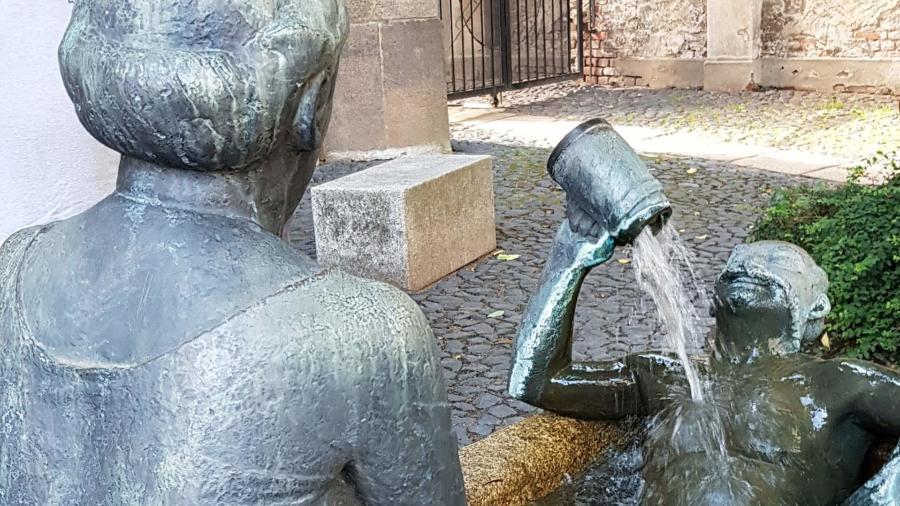 Der 1999 aufgestellte Brunnen