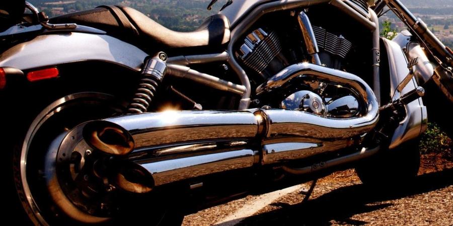 Bundesweit steht aktuell die Forderung nach Fahrverboten für Motorräder an den Wochenenden, weil diese oftmals sehr laut sind. Anwohner beliebter Ausflugspisten sind genervt