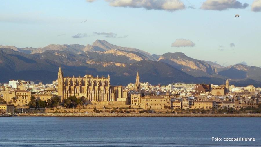 Mallorca, das sind historische Städte, pulsierendes Leben, schroffe wie auch liebliche Landschaften und natürlich: das Meer