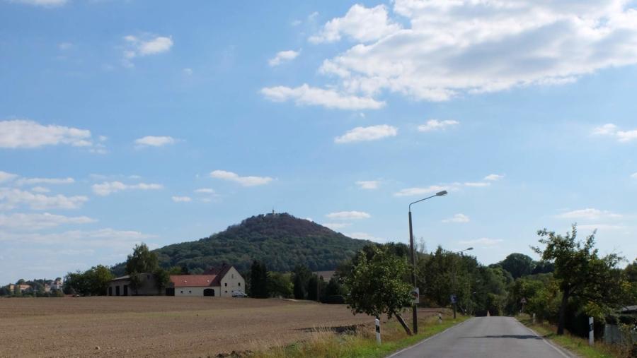 Die Landeskrone ist mit 420 Metern über Normalhöhennull der höchste Berg in der Region um Markersdorf