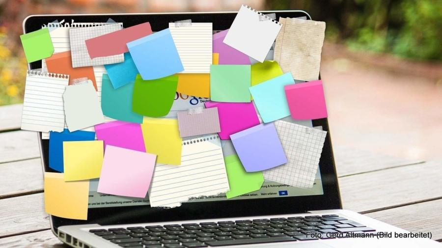 Schon die Nutzung eines simplen Notizen-Systems am Computer – am besten eine Cloud-Lösung – lässt die Zettelwirtschaft verschwinden, ein digitales System für das Dokumentenmanagement verbannt Papier nahezu ganz