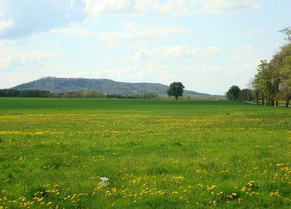 Blick von Deutsch-Paulsdorf zum Rotstein-Massiv. Fotos: BeierMedia.de