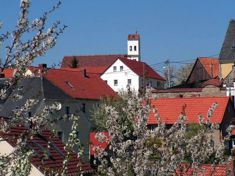 Blick zur Evangelischen Kapelle in Jauernick-Buschbach.<br />Fotos: Joachim Lehmann