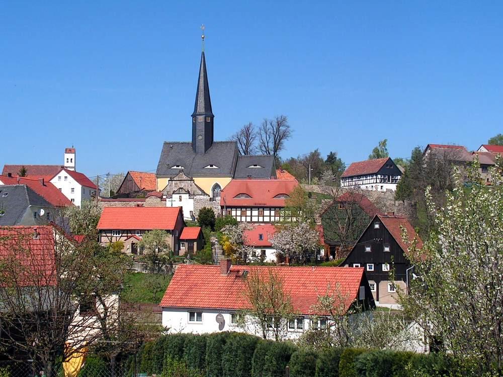 Blick vom Wenzelberg auf Jauernick. Foto: Lehmann, April 2009