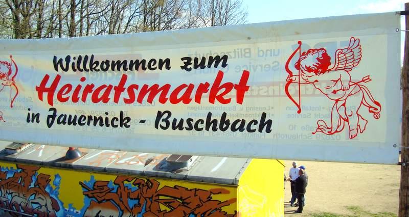 Zu den Besonderheiten in Jauernick-Buschbach<br />gehört der jährlich stattfindende Heiratsmarkt.