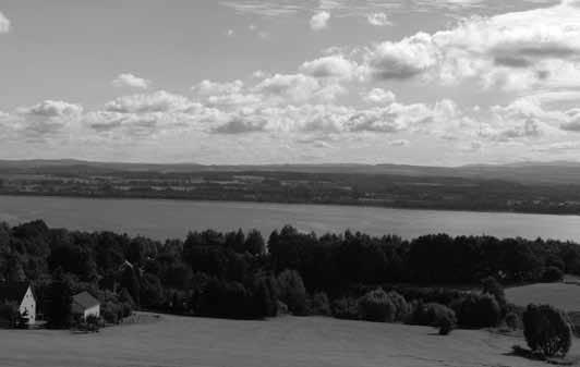 Aussicht von der Kirschallee bis ins Riesengebirge. Foto: Knack