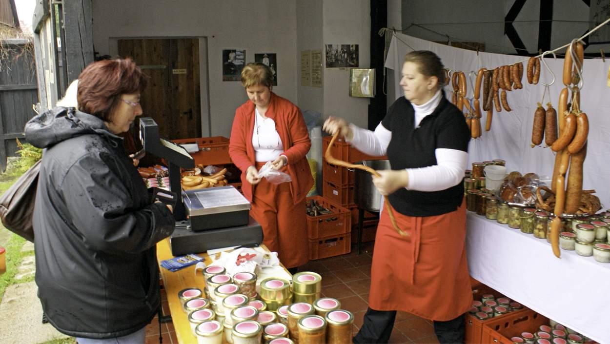Archivbild vom Schlachtfest 2010: Jürgen Rothe