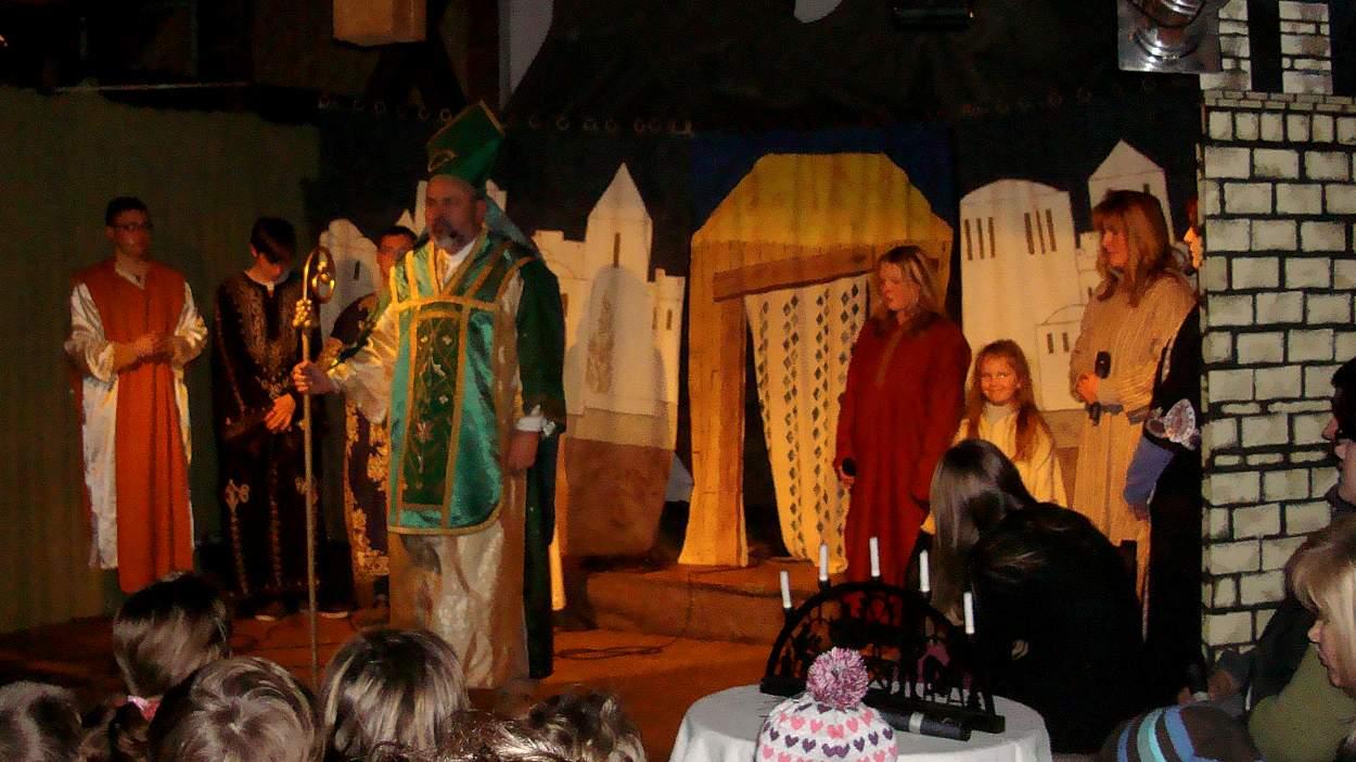 Nikolaus ist nicht nur der Gabenbringer, die Legende sagt ihm auch zahlreiche  Wundertaten nach.
