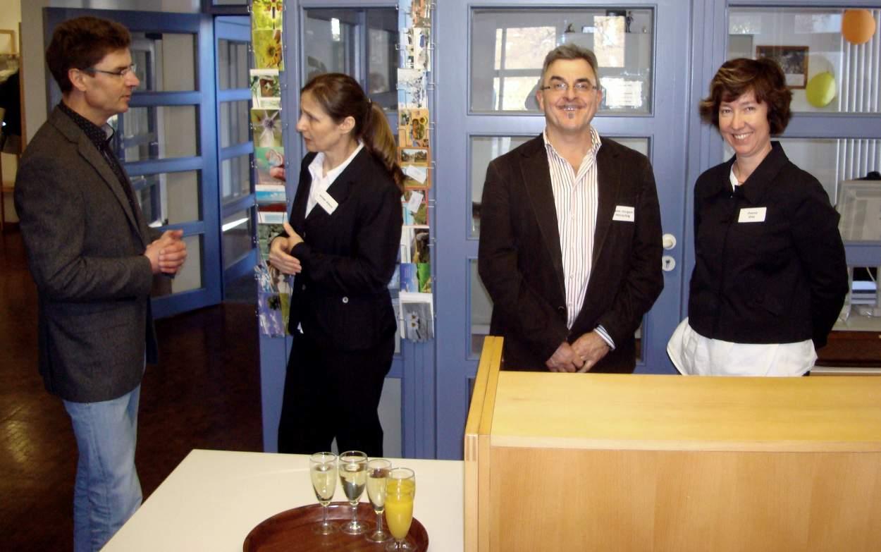 Stellvertretend für die rührigen Organisatoren der Kreuzbergbaude (von rechts): Diana Gay, Hans-Jürgen Horschig und Gerlinde Wünsche