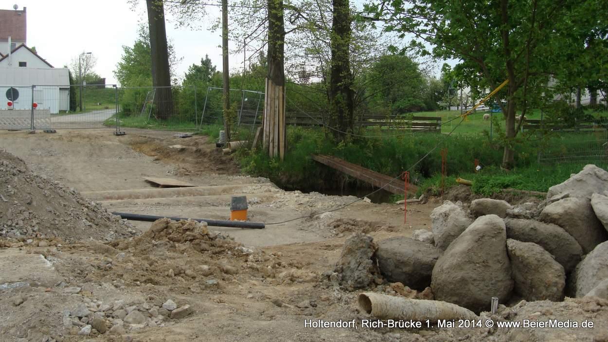 Auf die lange Vorbereitungszeit hatte die Gemeinde Markersdorf keinen Einfluss. Doch nun gehen die Bauarbeiten für den Neubau der Richbrücke voran.