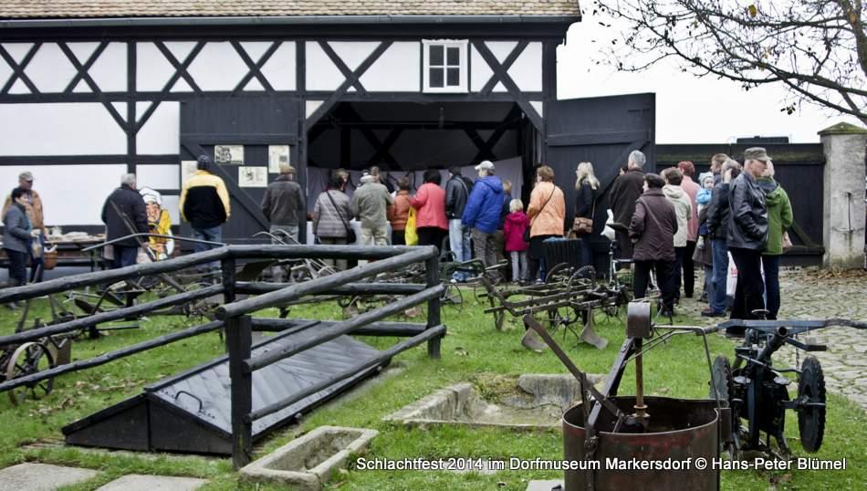 Reges Interesse gab es zum Schlachtfest 2014 im Dorfmuseum Markersdorf.