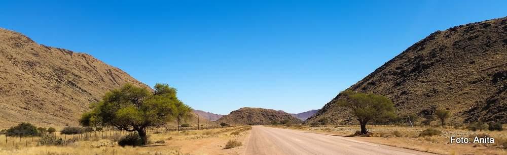 Die Abbildungen sind in Namibia entstanden, gehören aber nicht zum Vortrag.