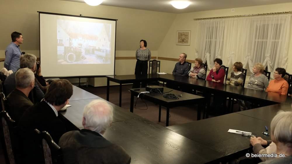 Ronny Otto und seine Frau haben das Spinngut-Projekt im Markersdorfer Rathaus vorgestellt.