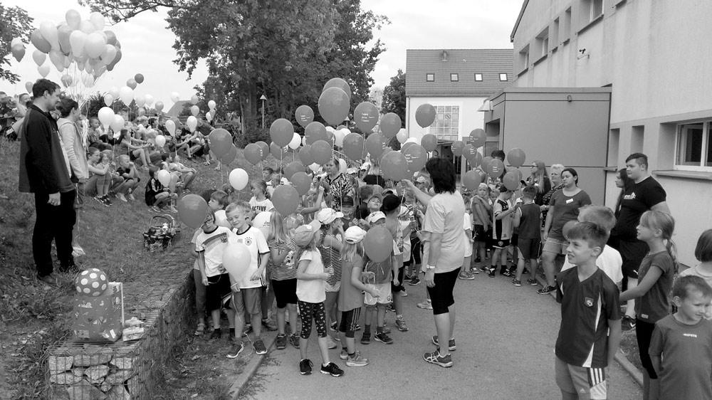 Feierliche Übergabe des neuen Sportplatzes, Foto: Th. Knack